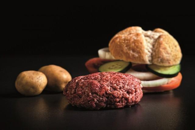 Foto Una buena picada de la carne potencia el sabor de la hamburguesa