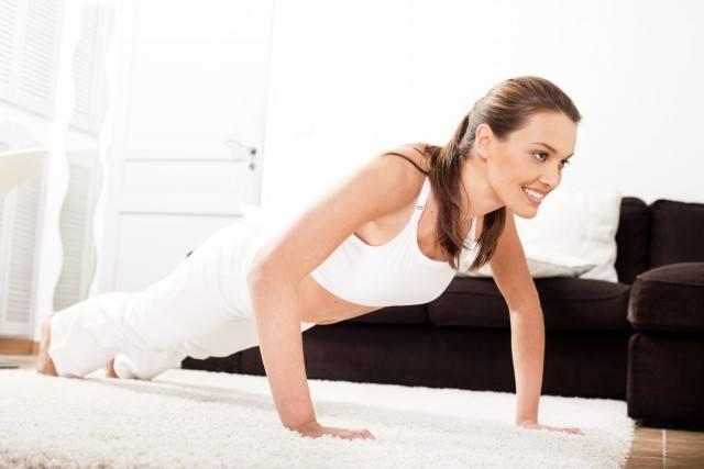 Foto Con los abdominales plancha conseguirás un vientre plano y firme en tiempo récord