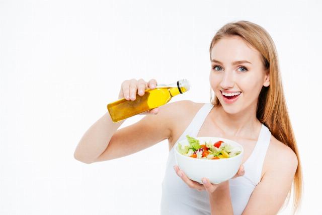 Foto Vegetales y ácidos grasos beneficiosos como el aceite de oliva, refuerzan el sistema inmunológico