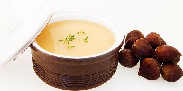 Foto Crema de castañas, una receta nutritiva y baja en calorías para tus comidas y cenas de otoño e invierno