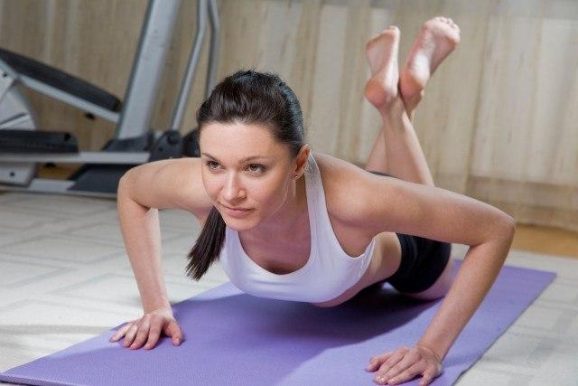 Foto Las flexiones, el ejercicio más completo que trabaja brazos, glúteos, muslos y pecho