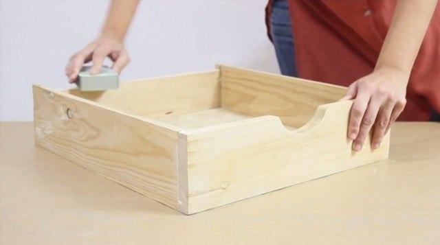 Foto Paso 1: Lijar la superficie del cajón estantería