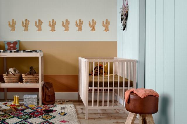 Foto Renueva la pintura del cuarto de los niños en verano