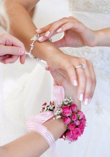 Foto Las uñas de largo discreto y en tonos naturales, infalibles en la manicura para novias