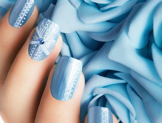 Foto Manicuras de novia en azul y turquesa