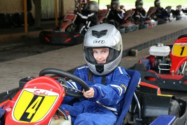 Foto Karting, un plan muy veloz para los niños en vacaciones