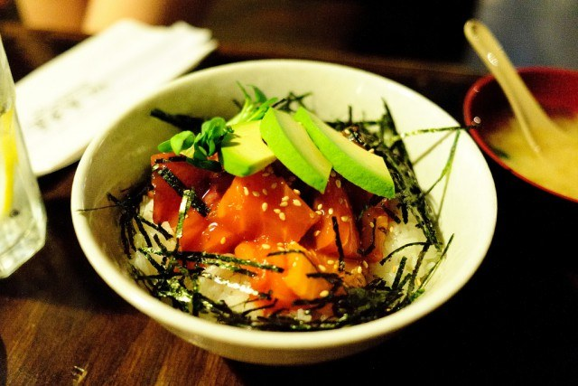 Foto El arroz y la quinoa, las fuentes principales de hidratos de carbono de la ensalada poke
