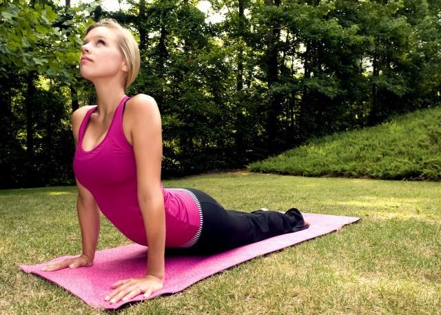 Foto La postura de la cobra es una de las más fáciles de realizar