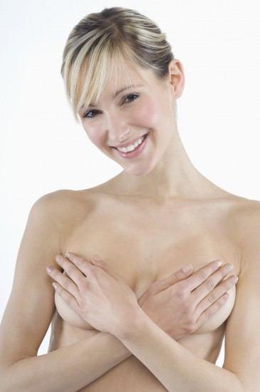 Foto Los mejores tratamientos estéticos contra la caída del pecho