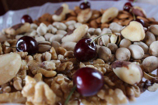 Foto Los alimentos ricos en antioxidantes contrarrestan los efectos adversos del azúcar, la grasa y el alcohol