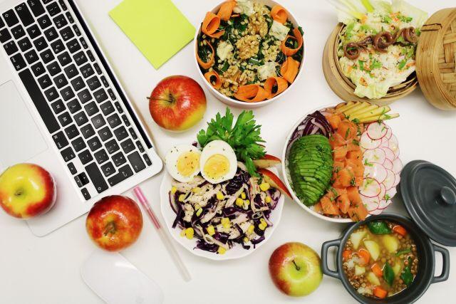 Foto Guía para comer bien en la oficina