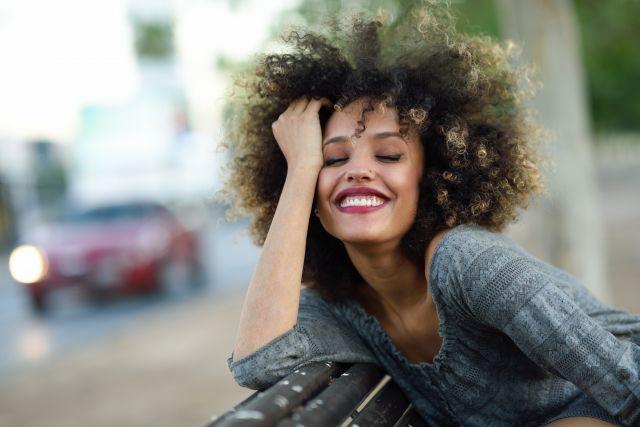 Foto Los trucos y cuidados para lucir un pelo afro natural, fuerte, bonito y con estilo