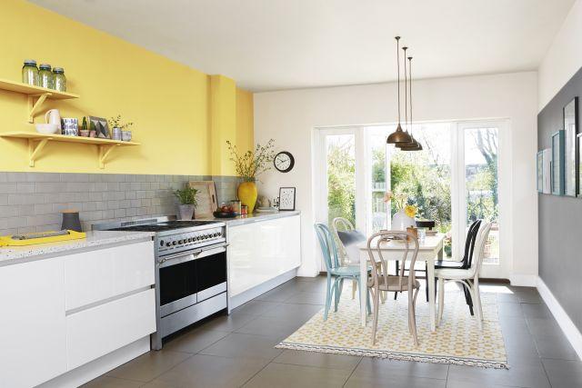 Foto Los amarillos más vibrantes, tendencia en color más cocinas o baños esta primavera 2018