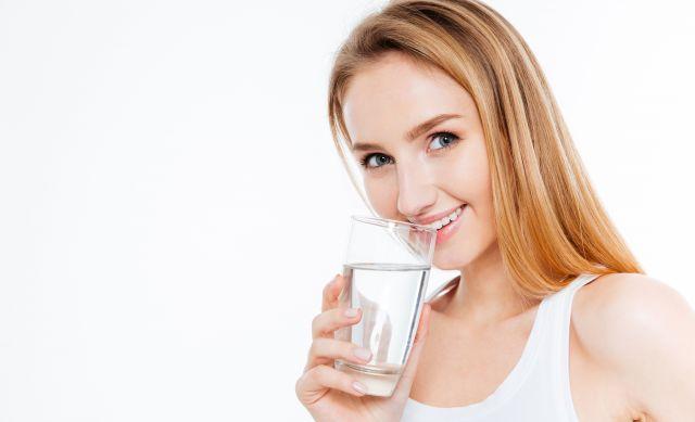 Foto Beber agua, indispensable para lucir un cutis perfecto