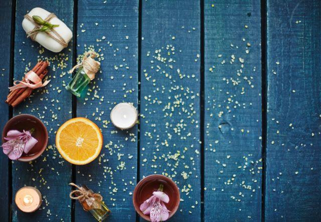 Foto Prepárate un baño revitalizante de cítricos, sal y café