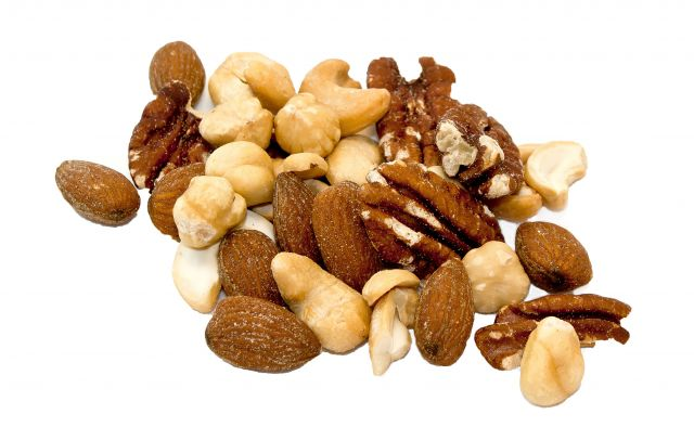 Los frutos secos, entre los alimentos ricos en calorías que debes comer para adelgazar