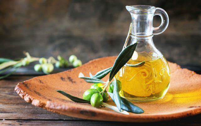 Foto El aceite de oliva, entre los alimentos ricos en calorías que debes comer para adelgazar
