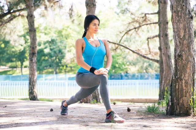 Foto Las zancadas, un ejercicio excelente que nos permite trabajar ambas piernas de forma distinta
