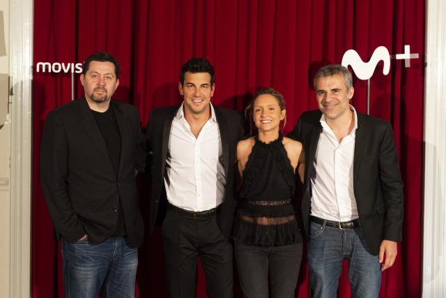 Foto Mario Casas junto a los creadores de Instinto y Domingo Corral en la presentación de la serie
