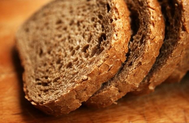 Foto ¿Cómo distinguir el pan integral del que no lo es