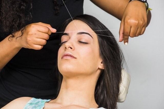 Foto 5 ventajas de la depilación con hilo para eliminar el vello facial