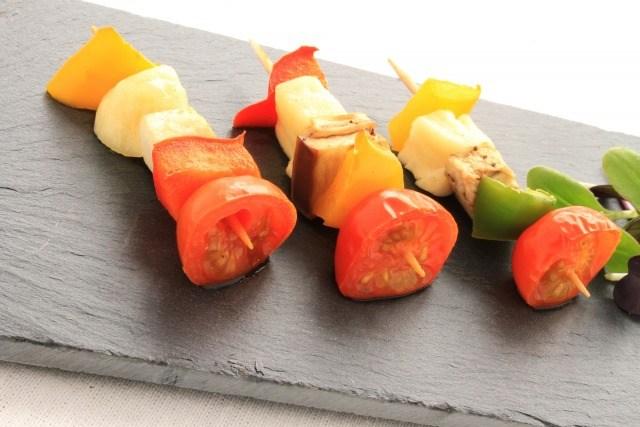 Foto Las brochetas, ideales para una cena informal de picoteo sano