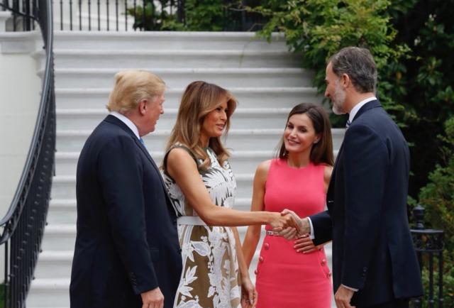Foto Melania Trump saluda a don Felipe en la Casa Blanca