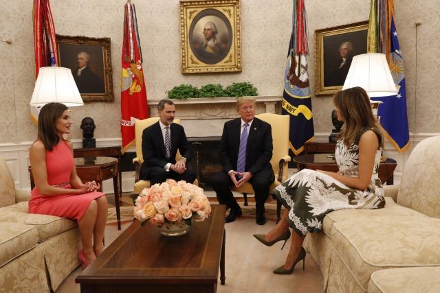 Foto Los Reyes junto a Donald Trump y Melania Trump en el interior de la Casa Blanca