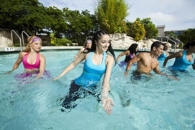 Foto Aqua Zumba, el deporte más divertido del verano