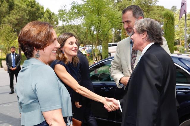 Foto Don Felipe y doña Letizia a su llegada al Hotel Camiral en Girona