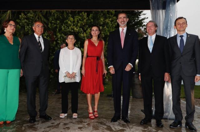 Foto Don Felipe y doña Letizia a su llegada al espacio Mas Marroch del Celler de Can Roca