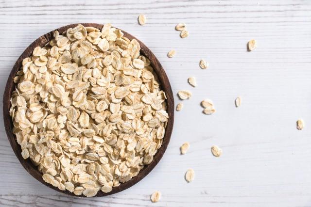 Foto Alimentos como la avena, naranjas y kiwis, entre los alimentos antienvejecimiento