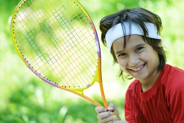 Foto El tenis, un deporte divertido y completo para practicar en familia