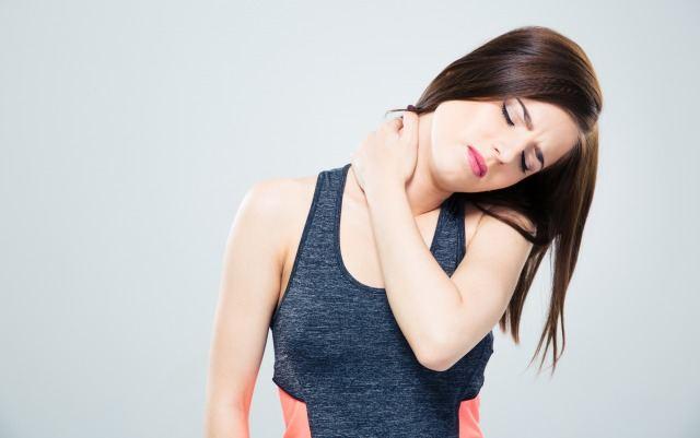 Foto Las causas del dolor de cuello, remedios y los ejercicios más eficaces