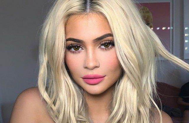 Foto Kylie Jenner aumentó el volumen de sus labios en 2015