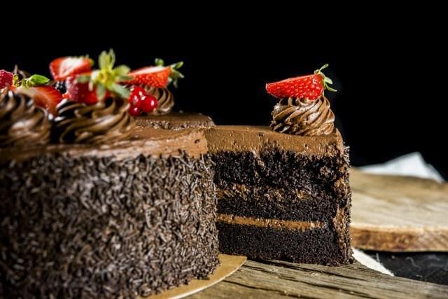 Foto La tarta de chocolate layer cake para los auténticos amantes del cacao