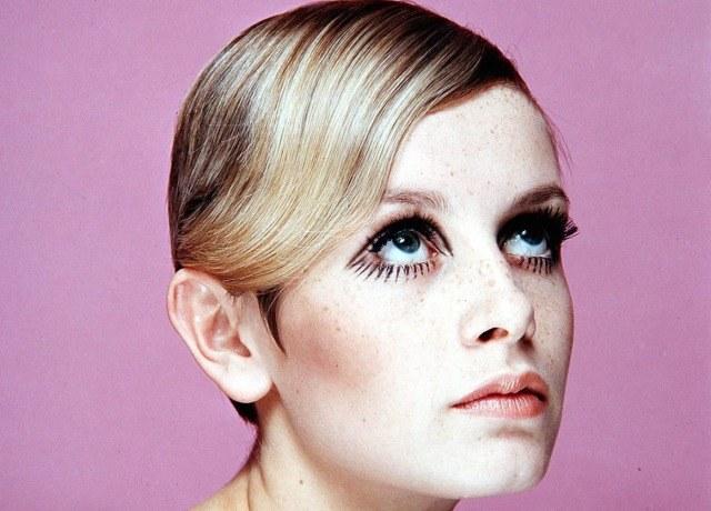 Foto La exmodelo británica Twiggy, todo un icono de los sesenta que popularizó las pestañas de muñeca rota