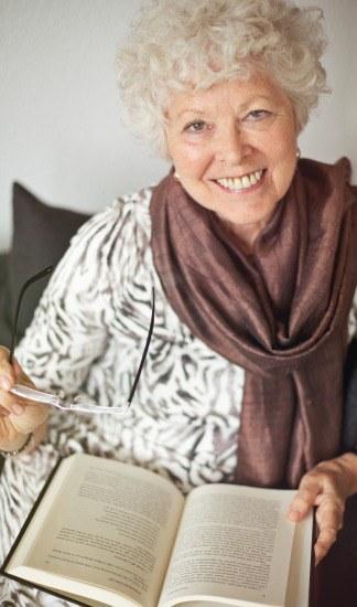 Foto Leer, una actividad que previene el Alzheimer