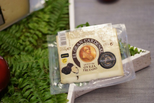 Foto Queso de oveja con trufa El Gran Cardenal, entre los mejores quesos