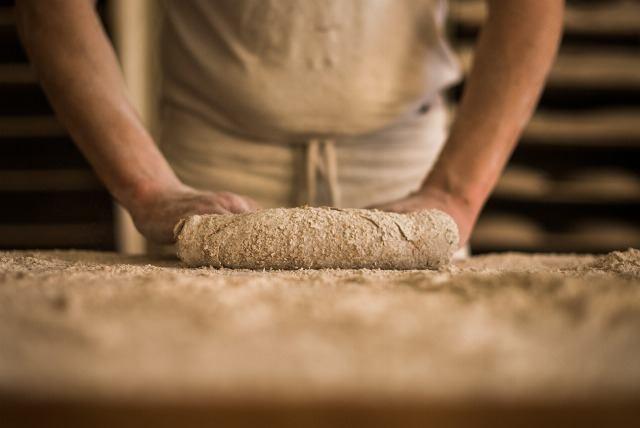 Foto Elaboración de pan en el obrador de Levadura Madre