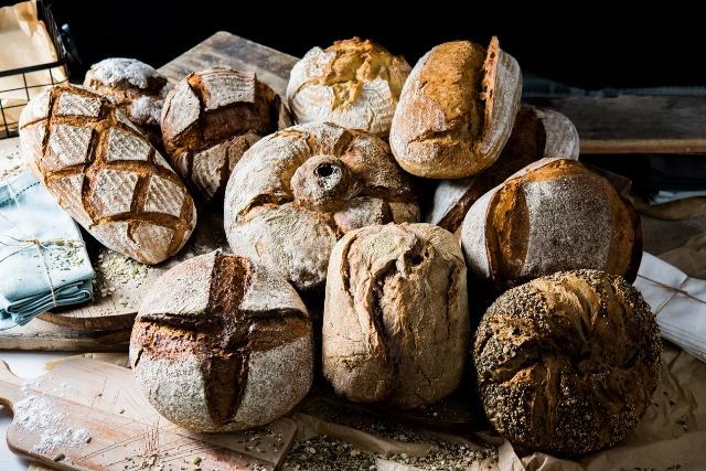 Foto Hogazas de pan de masa madre