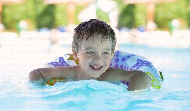 Foto Los consejos y reglas básicas para proteger a los bebés y niños del sol