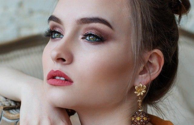 Foto Aprende a maquillar tus ojos según su forma y tamaño