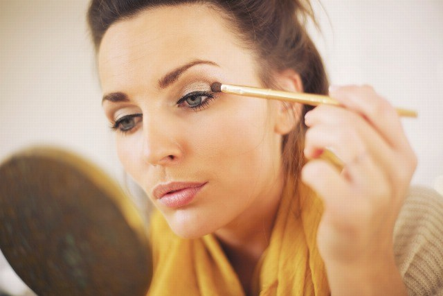 Foto Aprende a maquillar los ojos según su tamaño