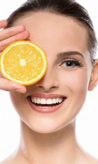 Foto Alimentos para tener unos dientes blancos, lucir vientre plano, un pelo brillante y decir adiós a las ojeras