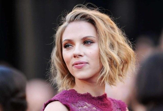 Foto El escote de Scarlett Johansson