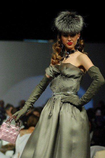 Foto Los complementos perfectos para lucir los vestidos de fiesta con estilo