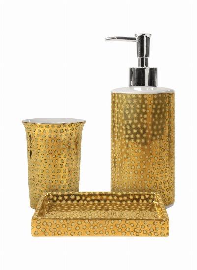 Foto Los complementos dorados en el cuarto de baño, Navidad en estado puro