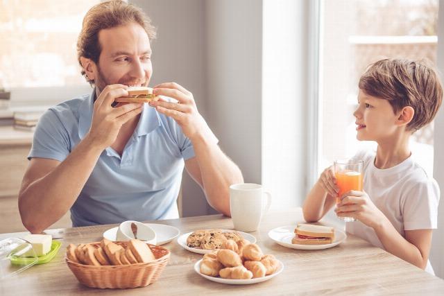 Foto Diez motivos por los que acompañar a tu hijo durante la merienda
