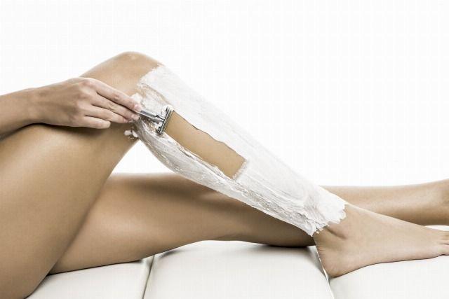 Foto La depilación con cuchilla puede producir foliculitis